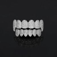 Nuevo Custom Fit Gold Plated All Iced Out Exclusivo Luxury Top Bottom Gold Grillz Set Vampire Classic Teeth para Hombres Mujeres