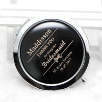 Personalizzato inciso specchio compatto personalizzati compatto favori specchio della tasca di ingrandimento regalo di nozze specchio per la damigella d'onore # 18.413-1