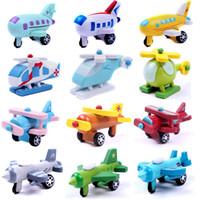 12 PCS / مجموعة التصدير للأطفال Diecasts خشبية طائرة طائرة لعب 5CM كارتون السيارة الصغيرة خشب نموذج مركبة صغيرة طفل لعب أطفال هدية