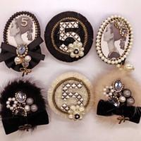 Nuovo arrivo coreano moda di lusso perla fiore 5 grande corpetto nero spilla per le donne vestito distintivo spille / broches / brosche / all'ingrosso libero