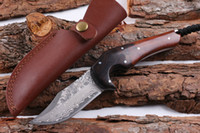 다마스커스 강철 생존 직선 사냥 나이프 58HRC Rosewoodebony 가죽 칼집으로 고정 된 블레이드 나이프를 처리합니다.