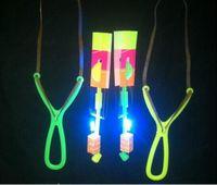 スペースUFO LED点滅素晴らしい矢印ヘリコプターのおもちゃスリングショットLEDライト矢のおもちゃG612