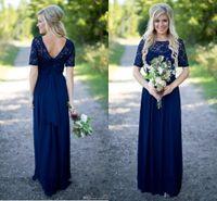 2020 Robes de demoiselle d'honneur de pays à chaud Longues pour mariages bleu marine Mousseline de mousseline courte manches courtes de dentelle Perles de sol