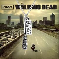 Nueva llegada de la venta caliente 12 unids / lote joyería de moda plata antigua The Walking Dead collar Cudgel y carta logo colgante collar