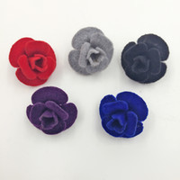 Comercio al por mayor 20 Unids 5 Colores Unisex Tela de Moda Rosa Flor Broche Pin Hombres Mujeres Botón de Collar Broche Joyería