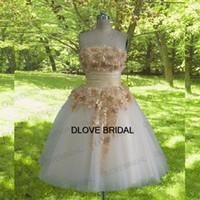 Real fotos curto vestido de noiva na altura do joelho strapless vestido de noiva com champagne 3d floral lace apliques de alta qualidade vestidos de noiva