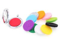 20 adet / grup Karışık Renk Trendy Aromaterapi Keçe Pedleri 22mm Fit 30mm Uçucu Yağ Difüzör Parfüm Madalyon Yüzer Locket