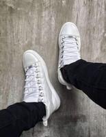 2018 ماركة شعبية العشاق المنخفضة أعلى الساحة حذاء رياضة أحذية رجالية عادية أحذية الدانتيل متابعة جلد العجل جلد كاني ويست في الهواء الطلق المدربين الشقق حجم 38-47