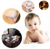 أطفال سلامة الطفل يهتمون بكرة على شكل حرس الزاوية الحراس يغطون الطاولة وسادة حافة الإصطدام مع ملصق IB287