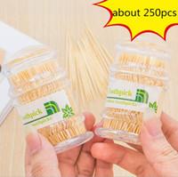 250 adet / kutu hotsale masa süslemeleri aksesuarları yaratıcı otel ev kullanımı taşınabilir doğal bambu kürdan ücretsiz kargo