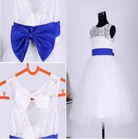 Nouvelle vraie fille fleur robes avec Bow pour la fête de mariage Communion Pageant baptême robe Keyhole une ligne petites filles enfants / enfants robe