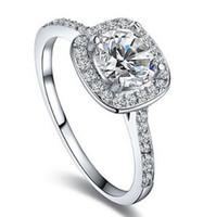 Frauen Ring Elegante eingelegte Zirkonkissen Cut Halo Engagement Schmuck Großhandel Zirkon Herzen und Pfeile Diamantring Gold-plattiert ACC008