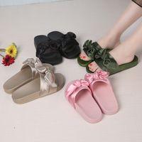 Lotus Jolly Ipek Yay Slaytlar Kadınlar Yaz Plaj Ayakkabıları Kadın Hiçbir Kürk Terlik Düz Topuklar Çevirme Bayanlar Rihanna Bohemia Sandalet