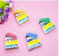 مصغرة نمط رخيصة دباسة التيلة مجموعة مع رقم 10 ستابلز القرطاسية الحلوى دباسة gamampeador مكتب اللوازم المدرسية