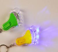 Yeni Stil Bigfoot LED Anahtarlık Çanta Çanta Charm Anahtarlık Charms kolye Ayaklar Anahtarlık Araç Anahtarlık Çocuk Oyuncak Sıcak Satış