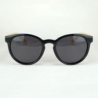 Оптовая 2017 новый деревянный поляризованные солнцезащитные очки простой дизайн круглый пластиковый каркас с реальные бамбуковые ноги 20 шт. / лот