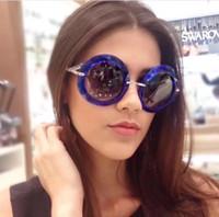 2017 여성 블루 라운드 선글라스 블루 그레이 그라데이션 Lenes 모델 상자와 6105 패션 안경 새로운