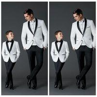 Изготовленные на заказ 2021 новый модный жених смокинги мужские свадебные платья выпускные костюмы отца и мальчик смокинг (куртка + брюки + лук) формальный износ смокинги
