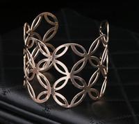 Bijoux de mode pour femmes Bracelet ouvert or / ton argent Découper les bracelets de manchette Bracelet pour les cadeaux de femmes Bijoux