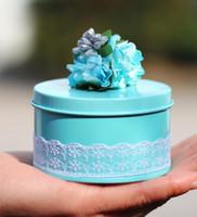 Vintage Tinplate Bonbonnière de mariage personnalisé fête d'anniversaire de Faveur bricolage dentelle fleurs bonbons BoxRound papier cadeau décor de Noël