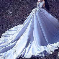 Luxuriöse Vintage Long Train Empire Brautkleider Off-Shoulder Applique Lace Hochwertige Brautkleid V-Back Brautkleid