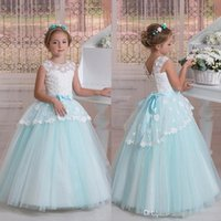 Weiße und blaue Blumenmädchenkleider für Hochzeit 2020 Jewel Sleeveless Lace Applique Ballkleid Mädchen Pageant Kleider Kinder Party Kleider