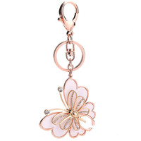 Creative Butterfly Key Bague métallique et acrylique Diamante Butterfly Porte-clés Chaîne de voiture délicate Accessoires de voiture Sacs à main Accessoires