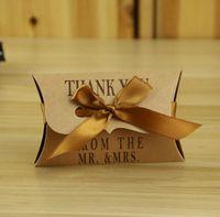 Cuscino di carta Kraft / Contenitore di caramelle quadrate Bomboniere rustiche Bomboniere Borse per regali Scatole regalo per matrimonio con nastro 100 pezzi / lotto