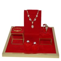Escaparate de exhibición de la joyería del acero inoxidable Escaparate de la pulsera del anillo doble del terciopelo rojo sostenedor pendiente de exhibición del collar de madera