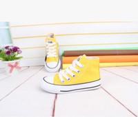 Niño, muchacho y niña, zapatos casuales, zapatos poco profundos, zapato plano, cordón, fondo de encaje de Oxford