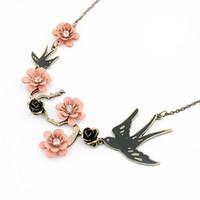 Groothandel-vintage vrouwen sieraden retro persoonlijkheid mooie ekster zwart roze roze bloem kristallen edelwerk neklacependants A363
