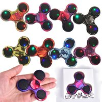 LED Camouflage Hand Spinners Light Up Camouflage Fidget Spinner Gyro Cross Style EDC Jouets de décompression Torqbar Handspinner OTH428