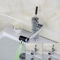 Venta al por mayor- E-Pak Yanksmart LED LED Girar Agua Tap Tap Cuarto de baño Faucet Cuenca Faucet Cocina Cocina Sirfante Grifo Hot y Frío Grifo Grifo