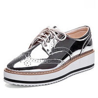 All'ingrosso-New Womens Winged Oxford Lace Up Piattaforma a righe Metallic Silver Black Fashion Vintage Piattaforma Bullock Flat Female Shoes 10.5