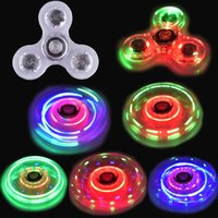 Brillo de la mano Led Spinner Tri Fidget Ceramic Ball Desk Focus Toy EDC Gyro Toys mano spinner OTH440