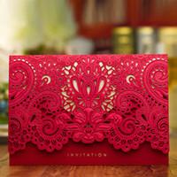 Neue Gold- / rote Hochzeitseinladungskarten 2017 Hohe Klasse Laser Cut Blume Einladung mit Umschlägen Hochzeitsbedarf