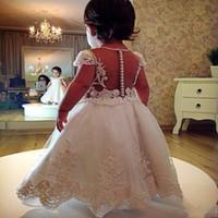 Vestidos de niñas de longitud de tobillo para bodas con mangas de casquillos Jewels Perlas de encaje Apliques de encaje Vestido para niñas Vestido de comunión de espalda