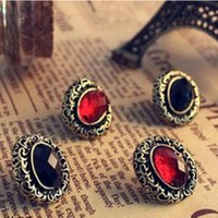 Vintage Lady Bronze Carved Hollow Out Oval Earrings Red Black Crystal Gem Ear Stud Earrings Retro Style Jewelry Earing Ear Acc For Summer