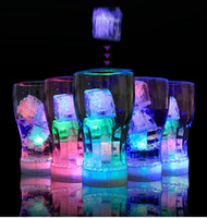 Vente chaude fournitures de mariage Glace lumineuse LED fluorescent transparent acrylique Colorful lanternes à induction flash KTV bars Dancing Party