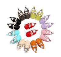 Toddler Scarpe per bambini baby boys floreale stampato fodera in PU lettera lace-up scarpe ragazze scarpe casual morbide baby first walkers scarpe misura 0-30m A2505