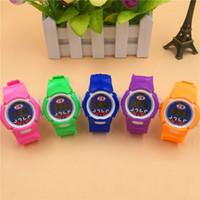 Reloj de color brillante Niños Niñas Niños Estudiantes Reloj Digital Deportes Reloj pequeño Regalos para niños Envío gratuito de DHL
