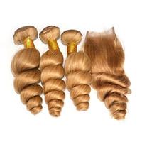 Brasilianische hellbraune Menschenhaar-Großhandelsverschachtelung mit Schließung lösen Welle # 27 Honig-blondes Jungfrau-Haar 3 Bundles mit Spitze-Schließung 4x4
