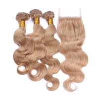 Miele Biondo capelli umani brasiliani 4x4 chiusura del merletto con 3 pacchi dell'onda del corpo di # 27 Strawberry Blonde Capelli umani del Virgin trame con chiusura