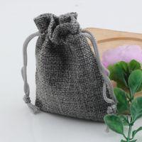 Chaud! Bijoux Emballage 50pcs Gris Lin Tissu Sacs à cordon Sacs de bonbons Bijoux Pochettes cadeaux Toile de jute Cadeau Jute sacs 6.5x8.5cm / 10x14cm / 13x18