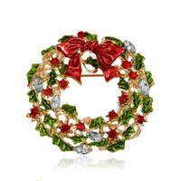 Großhandels- Neue Ankunfts-Weihnachtsrhinestone-Broschen für Frauen-nette Art-Mehrfarbenbogenknoten Kranz-Brosche-Stifte für Mädchen-Art- und Weiseschmucksachen