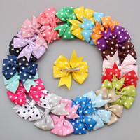 50pcs / polka de lot ruban de point de noeuds pour les cheveux avec clip, enfants bébé filles Accessoires de cheveux Boutique