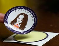 사용자 정의 로고 스타일 2021 스티커 인쇄 다이 컷 접착제 라벨 종이 소재 디자인에 기초한 광택 라미네이션