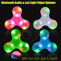 Le plus récent Bluetooth Audio Fidget Spinner Toys Spinners à main LED Light Chargeur USB Switch Button EDC Finger Tip Décompression Anxiety Toys DHL