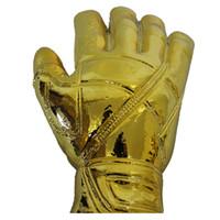 كرة القدم كرة القدم الراتنج GOALKEEPER Golden Glove Award World Cup Trophy Golden حارس المرمى جائزة المعجبين التذكارات كأس العالم