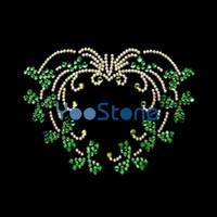 Liebes-Herz-irischer Shamrock-heiße Verlegenheits-Rhinestone überträgt Eisen auf Motiv
